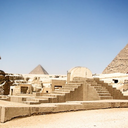 image of sphynx and pyramids